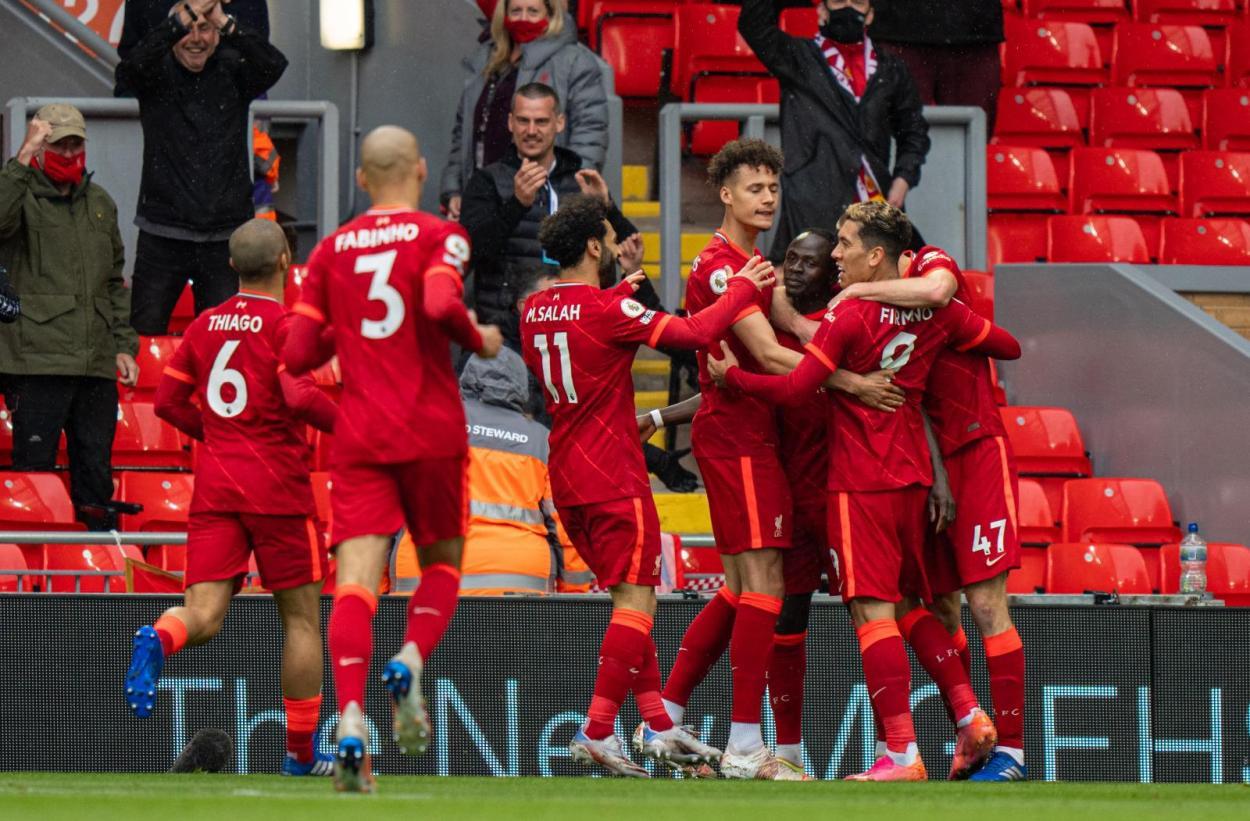 La plantilla del Liverpool celebrando su objetivo / Foto: Liverpool