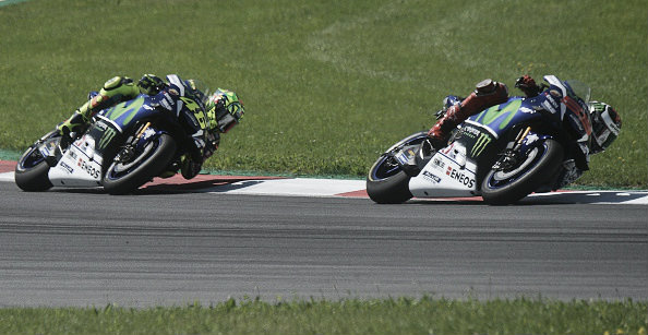 It was a close race between team mates Rossi and Lorenzo | Photo: Michal Cizek/APF/Getty Images