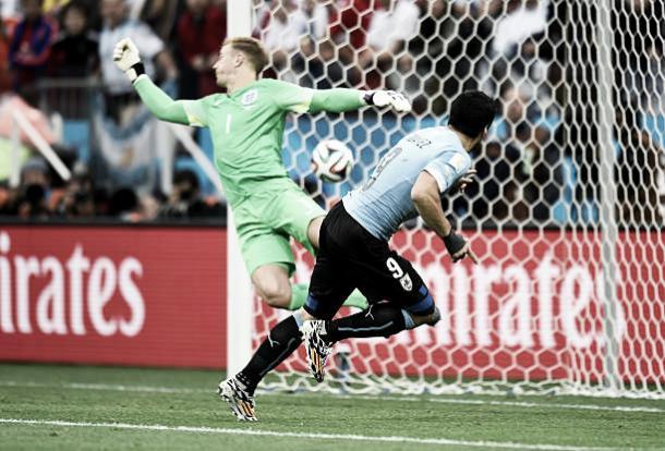Luis Suárez foi o carrasco da Inglaterra na Copa do Mundo 2014 (Fonte:Getty Images)