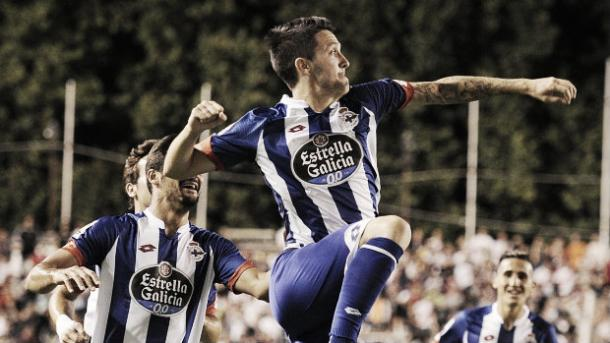 Luis Alberto celebrates a goal for current club Deportivo La Coruńa (image: www.ts.na)