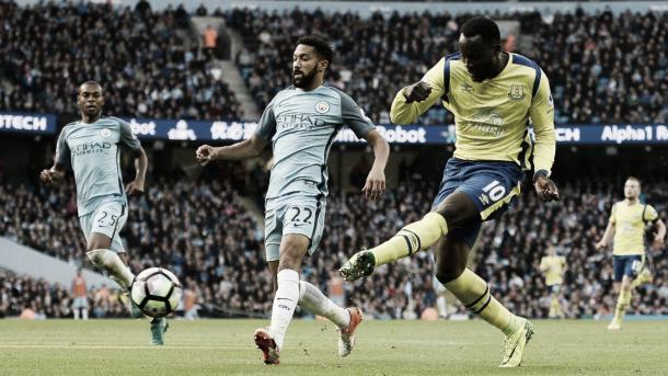 Lukaku en el gol contra el Manchester City. Foto: Premier League.
