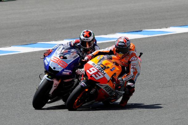 Toque entre Márquez y Lorenzo en el GP de España 2013 | Foto: redbull.com