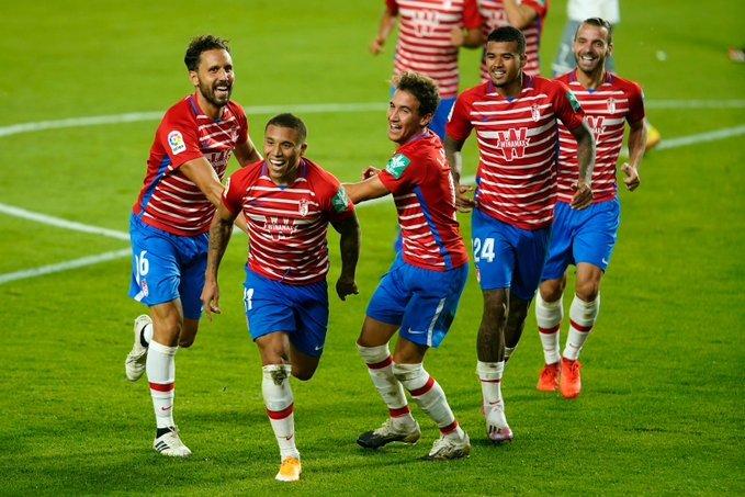 Los jugadores del Granada celebrando un gol | Foto: Granada