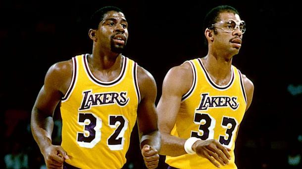 Kareem Abdul-Jabbar y Magic Jhonson / Foto: Nba.com