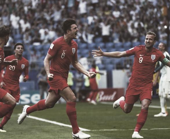 Maguire y Kane festejando el primer gol ante Suecia | Foto: England