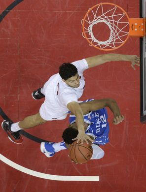 Mahmoud going up for a block. | Photo: Jamie Rhodes-USA TODAY Sports