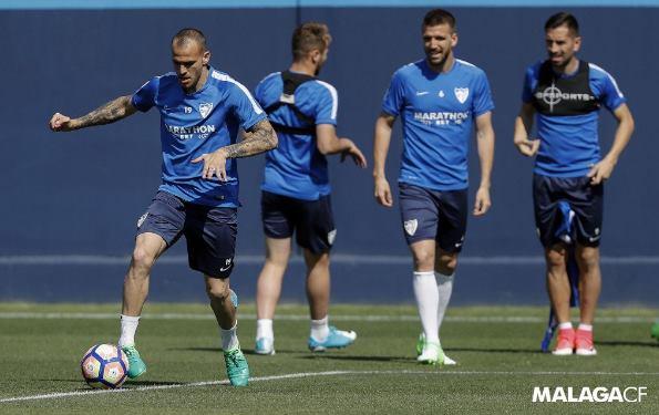 Última atividade do Málaga antes de receber o Barça teve praticamente todos os atletas disponíveis (Foto: Divulgação/Site oficial do Málaga)