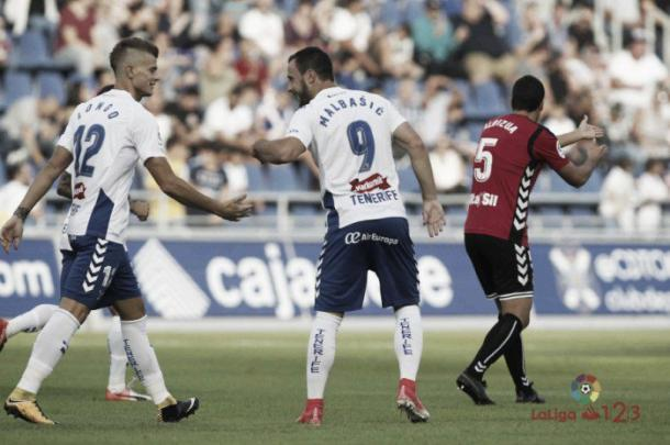 Malbasic y Longo celebran un gol. Foto: LFP