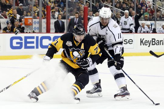 Evgeni Malkin in action Friday night against the Los Angeles Kings. | Photo: USA Today Sports