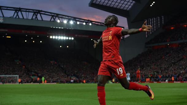 Sadio Mané celebrando un gol en Anfield. Foto: premierleague