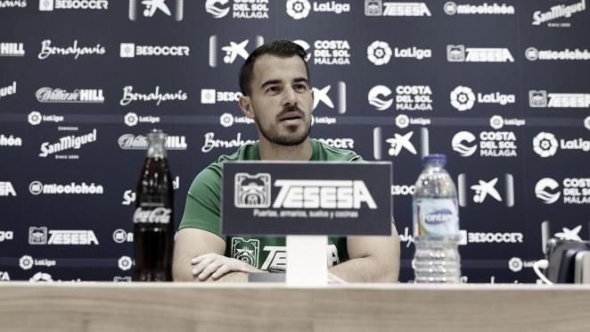 Manolo Sánchez, segundo de Pellicer, en rueda de prensa. / Foto: Málaga CF
