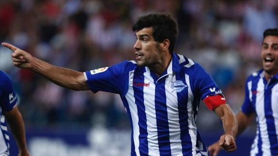 Manu García después de marcar el gol. Fotografía: J.Andrade