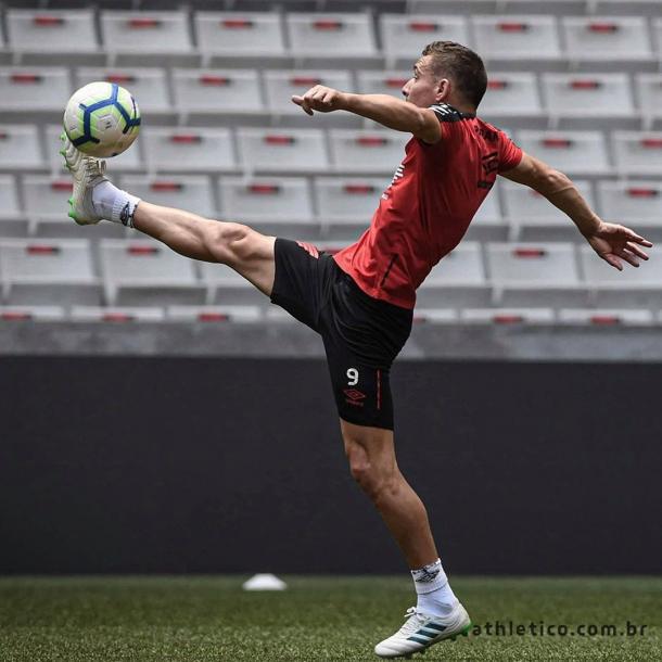 Marco Ruben volta a treinar e pode ser surpresa contra o Flamengo (Divulgação / CAP)