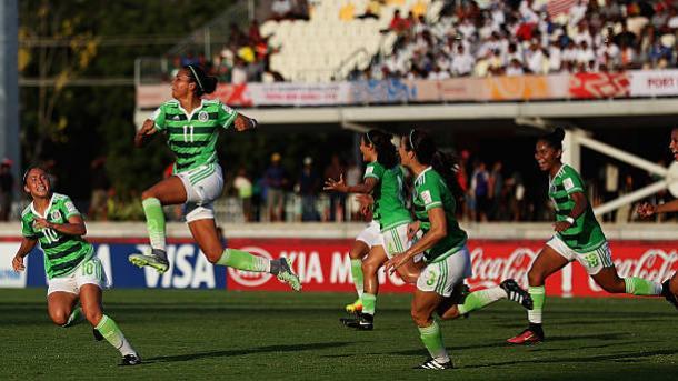 Con el #11, Sánchez celebra un gol