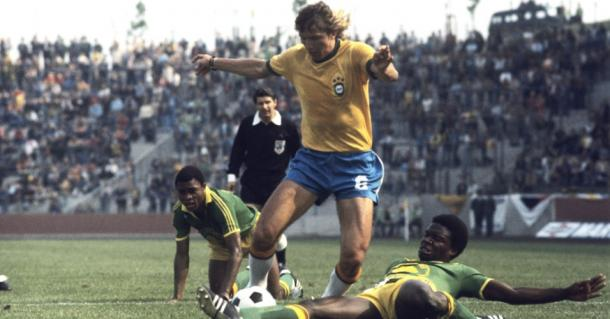 Marinho Chagas no confronto contra o Zaire (Foto: Getty Images)