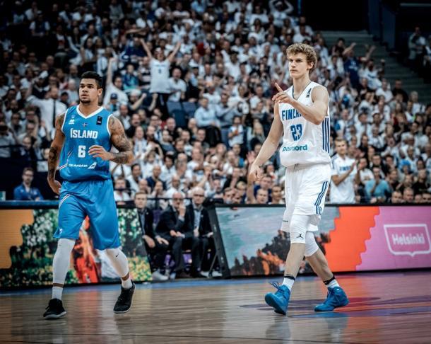 Acox e Markkanen. Fonte FIBA