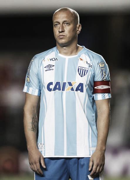 Marquinhos, o maior artilheiro da Ressacada (Foto: Ricardo Nogueira/Getty Images)