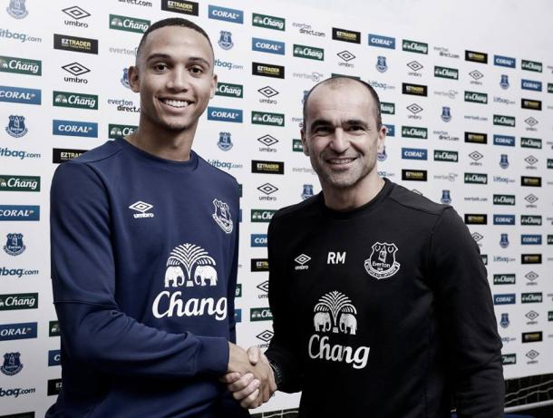 Martinez persuaded the defender to move with a phone call (photo: getty)