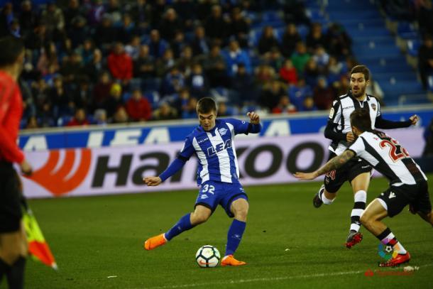 Martín, uno de los habituales en las alineaciones de Abelardo. Fuente: deportivoalaves.com
