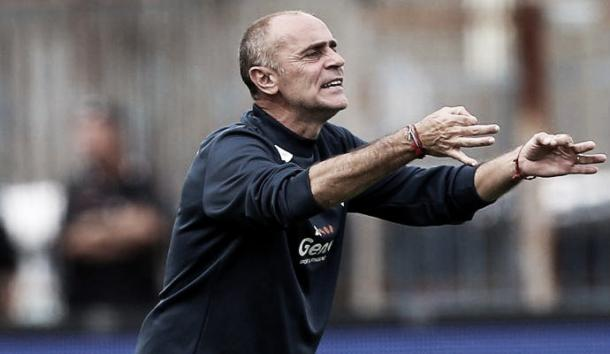 ​​Martusicello organises from the sidelines. | Image source: Calcio Now