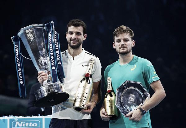 Goffin con el trofeo de subcampeón de las ATP World Tour Finals