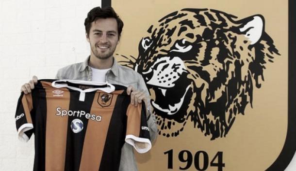 Mason llegó a Hull City en un fichaje récord para el club | Foto: Hull City.