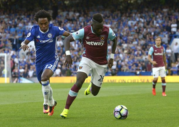 Arthur Masuaku in action against Willian in West Ham's 2-1 defeat to Chelsea | Photo: whufc.com