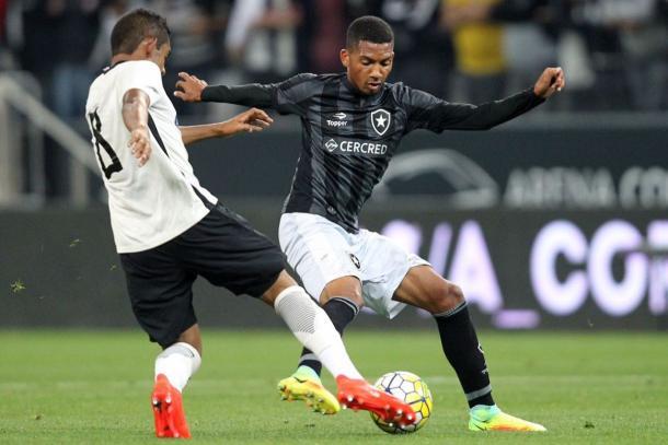 Matheus Fernandes foi campeão brasileiro sub-20 (Foto: Divulgação/Botafogo)