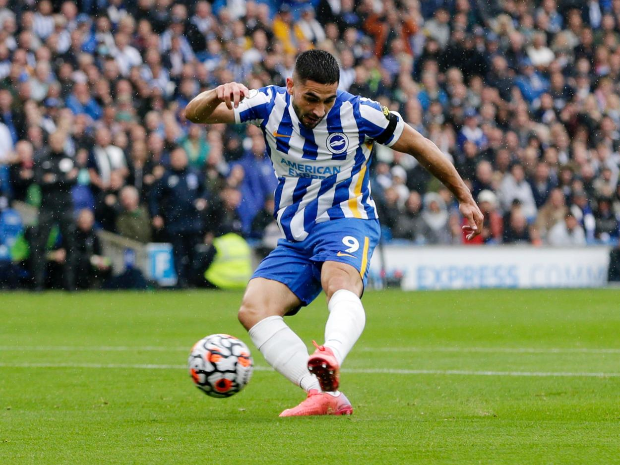 Maupay taking the penalty.   Photo: Brighton & <strong><a  data-cke-saved-href='https://vavel.com/en/football/2021/08/24/brighton-hove-albion/1083481-cardiff-city-0-2-brightonhove-albion-seagulls-maintain-flawless-start-and-advance-in-the-carabao-cup.html' href='https://vavel.com/en/football/2021/08/24/brighton-hove-albion/1083481-cardiff-city-0-2-brightonhove-albion-seagulls-maintain-flawless-start-and-advance-in-the-carabao-cup.html'>Hove Albion</a></strong>