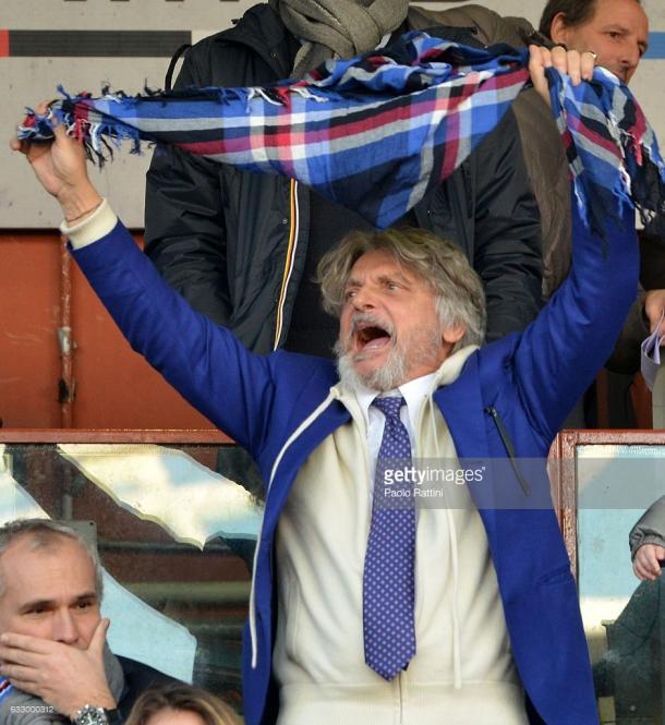 Massimo Ferrero antes del inicio de un partido mientras suena el himno del club Foto: Gettyimages