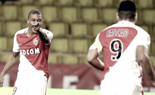 Mbappe e Falcao avvisano il Manchester City: 2-1 al Bordeaux