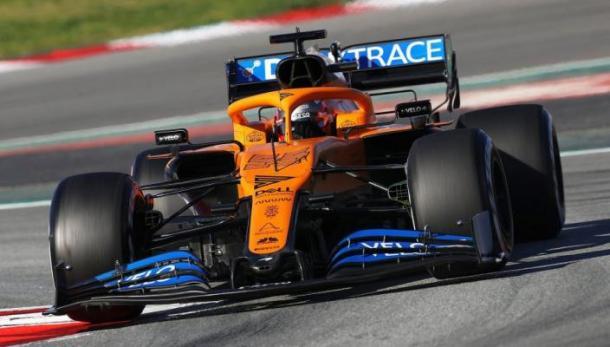 Atualmente, os carros da McLaren são pintados de laranja e azul (Foto: Reprodução/F1)