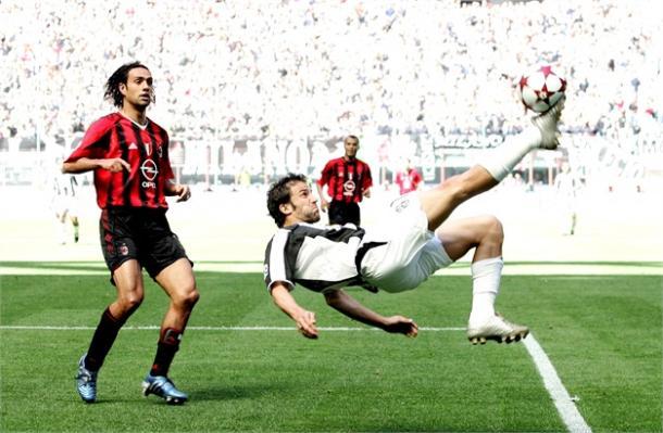La rovesciata di Del Piero che spianò la strada alla Juve. Fonte: Reuters.