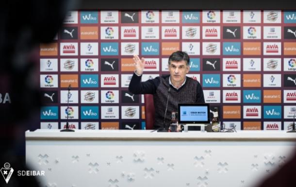 José Luis Mendilibar en rueda de prensa | Fuente: www.sdeibar.com