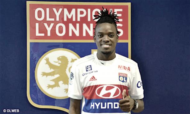 Bertrand Traoré como nuevo jugador del Olympique de Lyon | Página web Olympique de Lyon