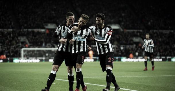 El Newcastle buscará reecontrarse con la victoria en un partido crucial. Foto: Getty Images.
