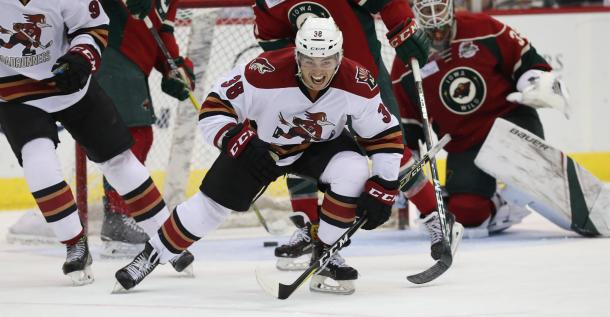Nick Merkley plays with intensity. (Photo courtesy of Tucson Roadrunners)