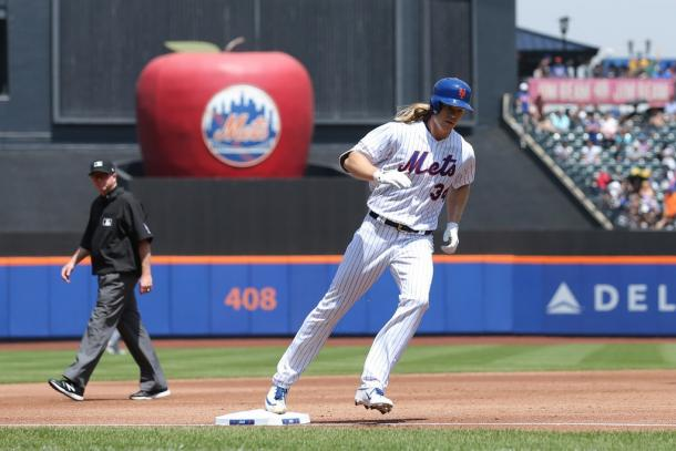 Syndergaard rounds the bases after his second home run of the season/Photo: Brad Penner/USA Today Sports, via Reuters