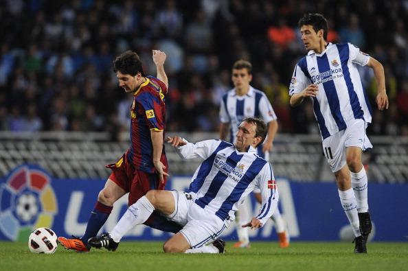 Messi não teve sossego no jogo (Foto: David Ramos/Getty Images)