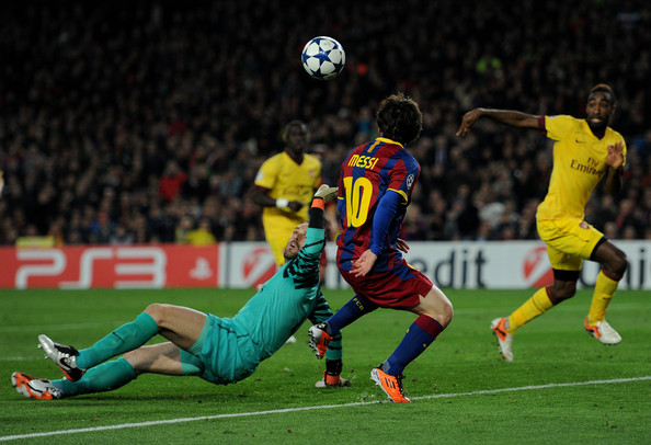Messi scores a superb solo goal against Arsenal (photo: getty)