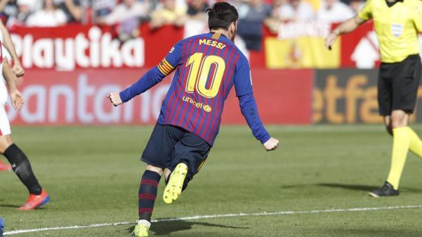 Leo festejando su tercer gol  Foto: Fútbol Total