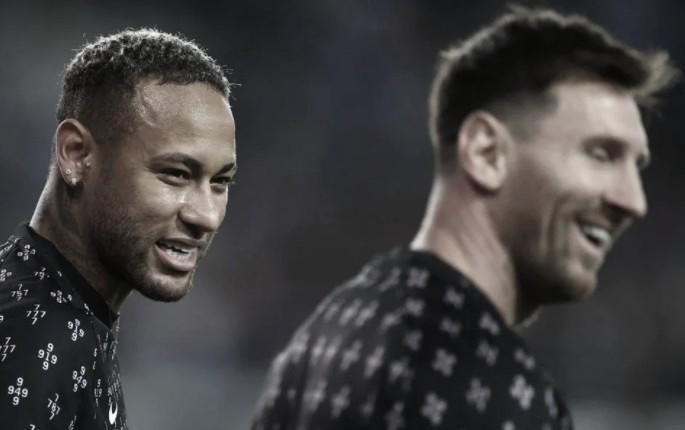 Neymar y Messi, juntos otra vez   Foto: UEFA