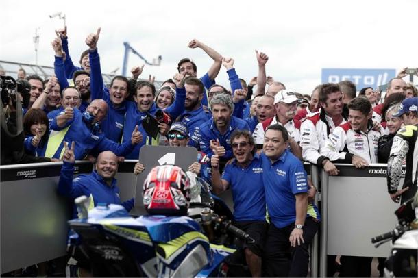 Celebrations in parc ferme for Team Suzuki Ecstar, their first win since rejoining the MotoGP in 2015 - www.suzukiracing.com