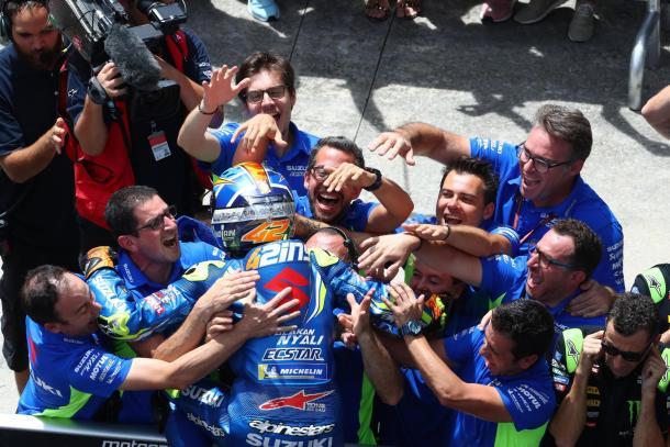 Rins, tras conseguir otro podio en el GP de Malasia. Imagen: MotoGP