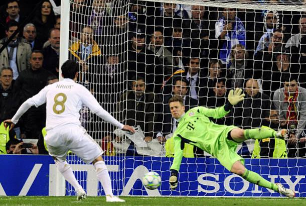 Kaká perdendo pênalti contra Neuer | Foto: Javier Soriano/AFP/Getty Images