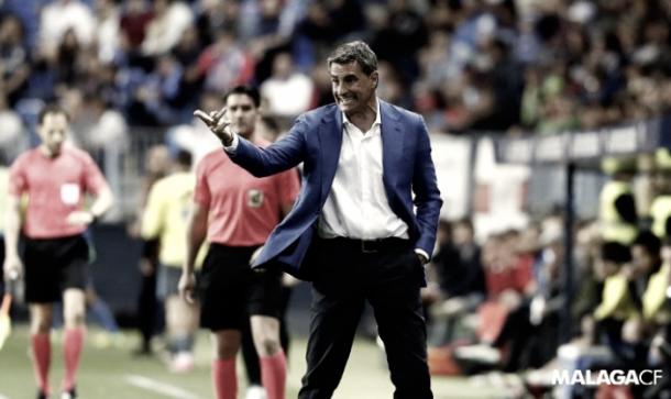 Míchel en la banda de La Rosaleda/ FOTOGRAFÍA: Málaga CF