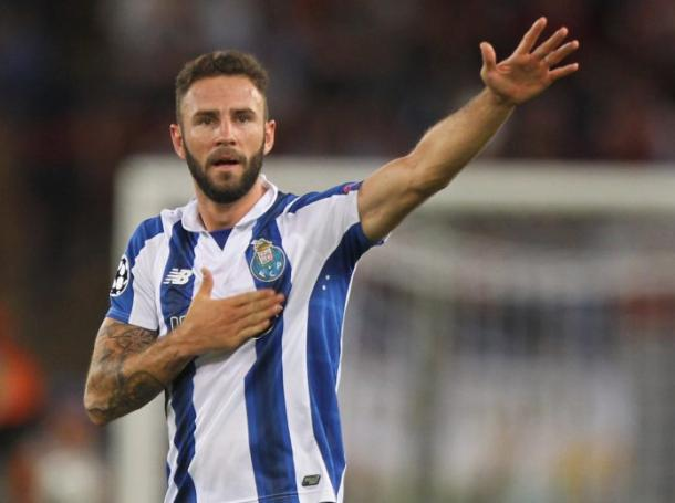Miguel Layún, posible fichaje del Deportivo Alavés. Fotografía: Getty Images