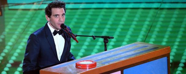 Mika impegnato in un'esibizione | foto: gelestatic