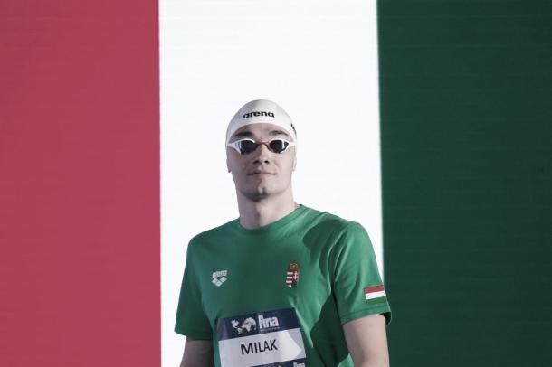 Kristof Milak saliendo a la piscina /FINA