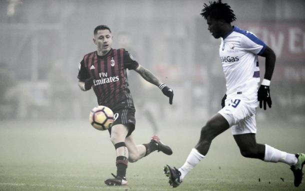 No primeiro turno Milan e Atalanta ficaram no zero, no San Siro (Foto: Tiziana Fabi/AFP)